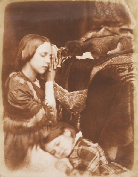 David Octavius Hill, Robert Adamson-Sophia Finlay and Harriet Farnie, with Brownie dit aussi The Sleepers (Sophia Finlay et Harriet Farnie avec le chien Brownie, dit aussi, Les dormeuses)