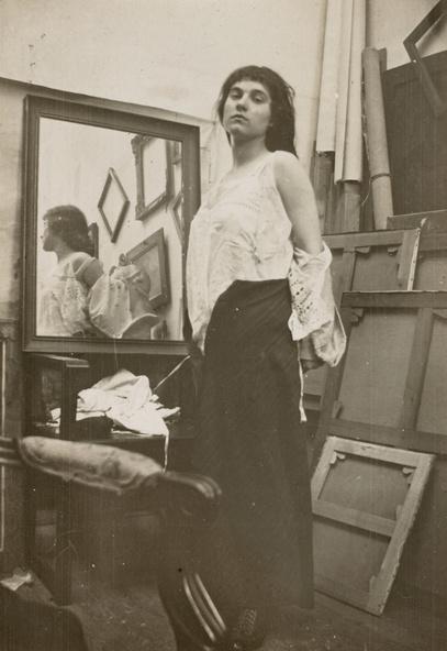 Pierre Bonnard -Modèle retirant sa blouse dans l'atelier parisien de Bonnard