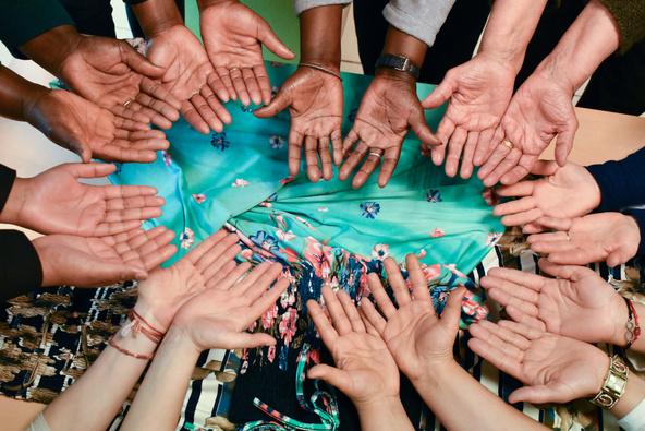 Hesna Souanef-On est tous la même famille (Centre de vie social Le Patio, Mantes-la-Ville)