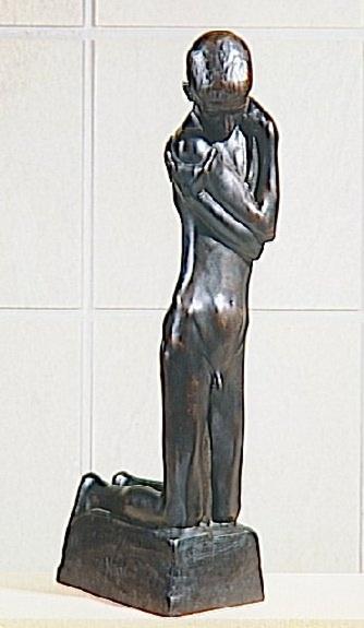Georges Minne-Agenouillé à la fontaine