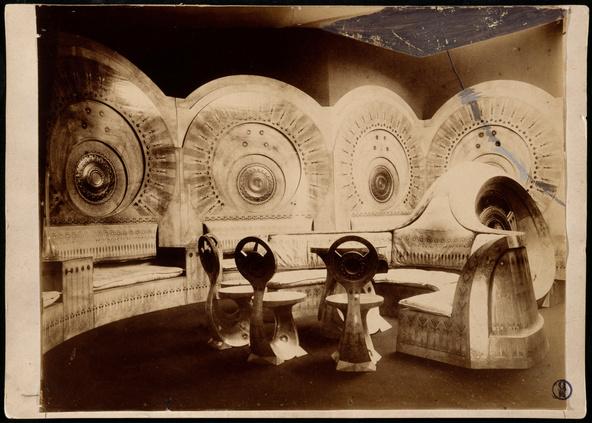 Anonyme-Photographie du salon escargot de Carlo Bugatti, exposition internationale d'Art moderne décoratif de Turin