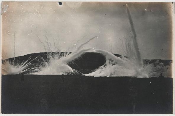 Anonyme-Explosions d'obus. Images de la guerre 1914-1918 , folio 8